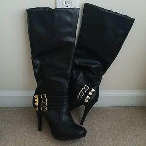 05668416dfcd Jcpenney Women Shoes Heels on Poshmark